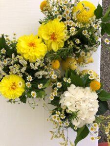 Matrimonio estivo dalie e aromatiche eventi Domitilla Baldeschi flower designer laboratorio creativo milano